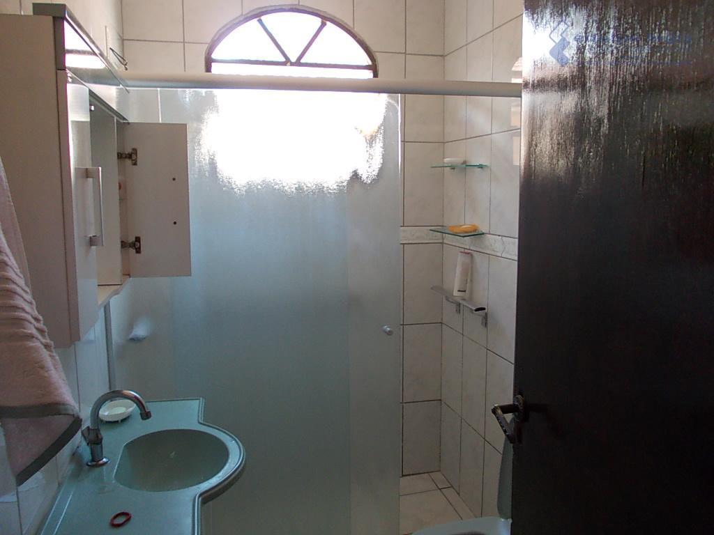 imóvel com escritura,financiado pela cef / pode ser financiado,ocupado pelo proprietárioacabamento com piso frio, revestimento, pintura...