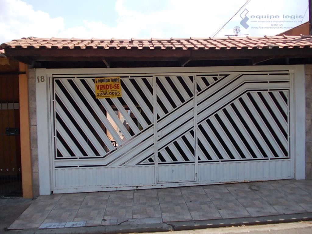 Casa 3 Dormitórios Vila Carmosina