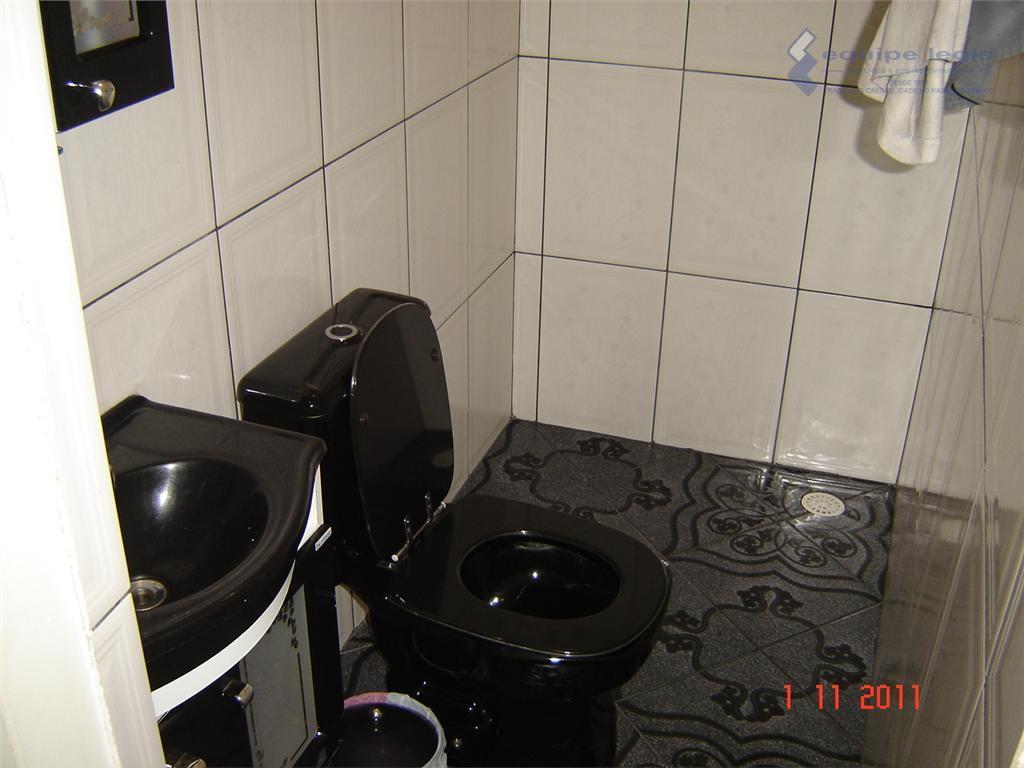 garagem 03 carros - excelente acabamento - cozinha planejada. escritura. são 3 casas:1-sala, 3 quartos, 2...