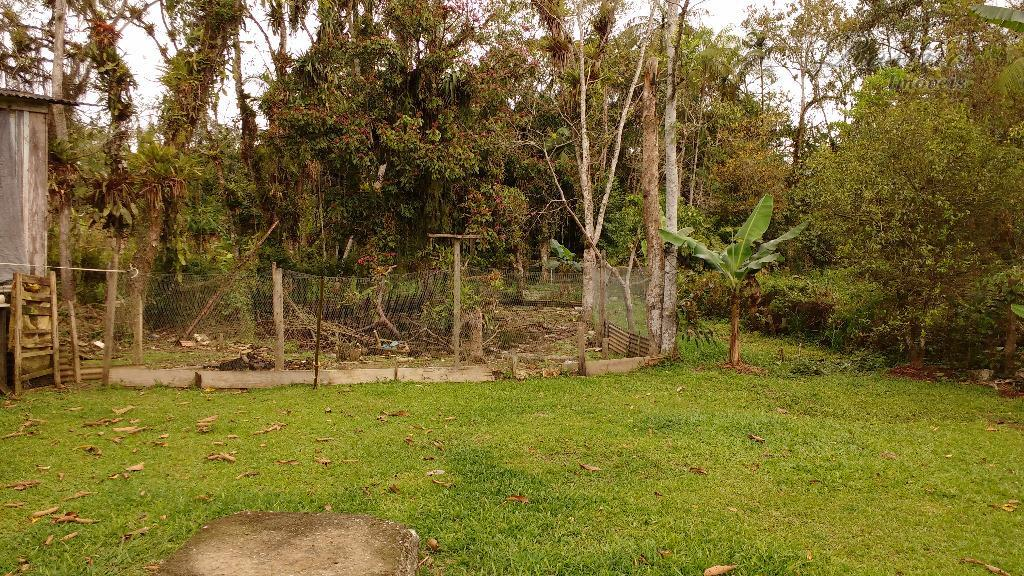 terreno medindo 1.000 mil metros quadrados, contendo uma casa de alvenaria com 4 quartos sendo um...