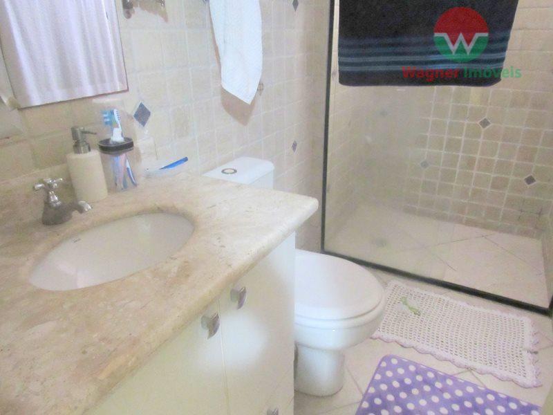 apartamento mobiliado para locação na praia da enseada em guarujá, sala 2 ambientes com ventilador de...