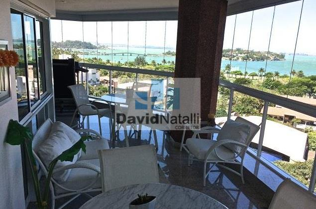 Excelente apartamento de 4 suítes, Praia de Santa Helena, Vitória.