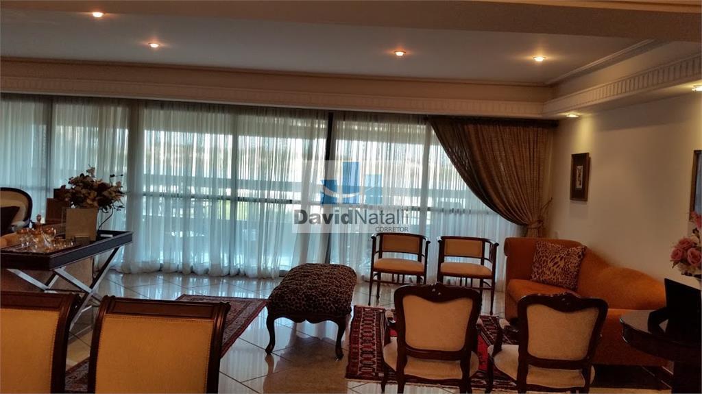 Apartamento sol da manhã com 4 quartos sendo 3 suítes, Praia do Canto, Vitória.