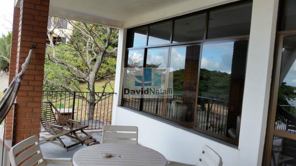 Casa duplex com 6 quartos sendo 4 suítes, Ilha do Boi, Vitória.