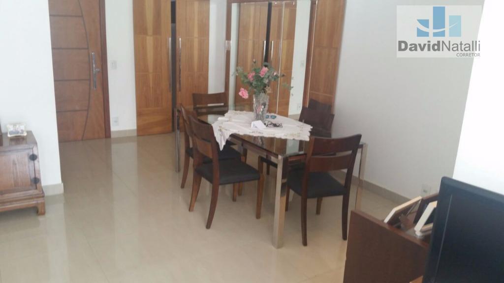 Apartamento 4 quartos transformado em 3 quartos com 2 suítes na Praia do Canto, Vitória.