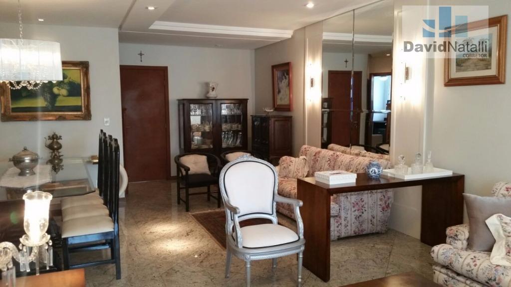 Apartamento para locação de 3 quartos com suíte na Praia do Canto, Vitória.