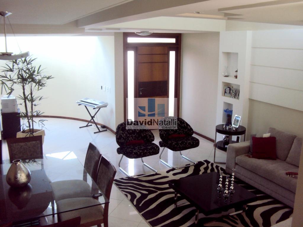 Casa Duplex de 3 quartos com suíte e closet à venda, Maruípe, Vitória.