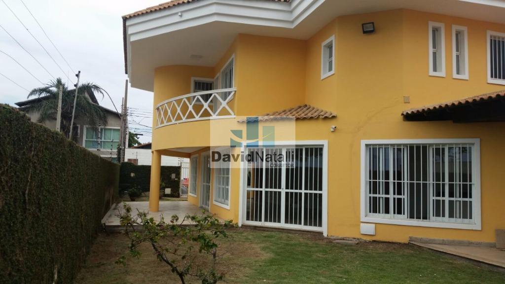 Excelente Casa Duplex 4 quartos com suíte para locação na Enseada do Suá, Vitória.