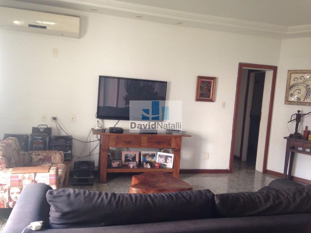 Apartamento 3 quartos com suíte e closet na Praia do Canto, Vitória.