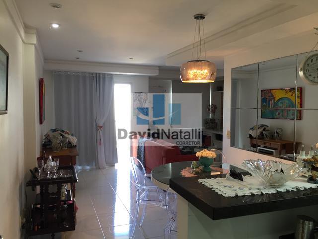 Apartamento sol da manhã 3 quartos transformado em 2 quartos com suíte em Jardim Camburi, Vitória.