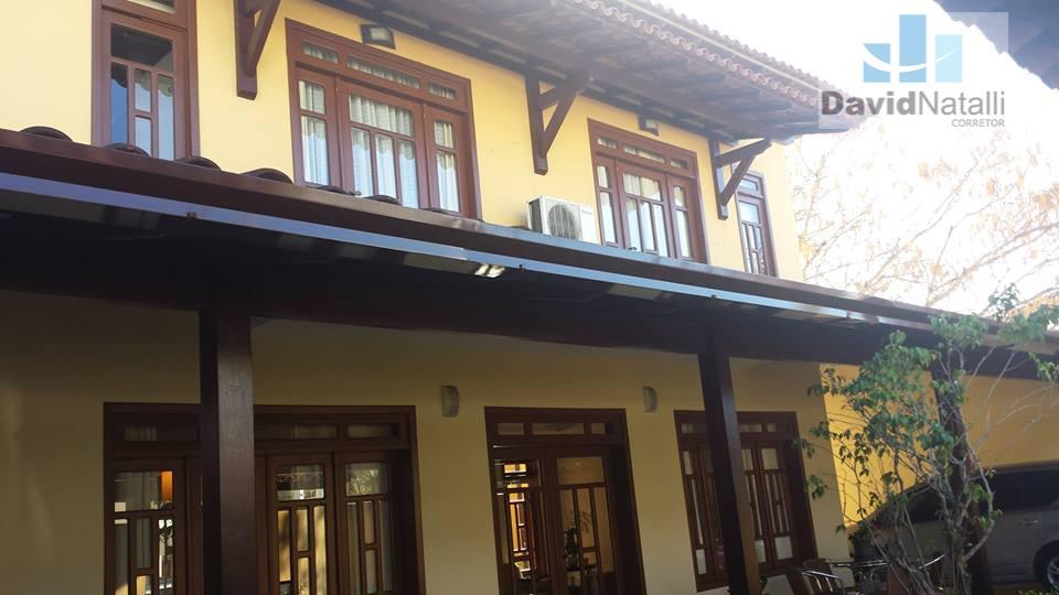 Casa Deplex de 4 quartos com suíte, Mata da Praia, Vitória.