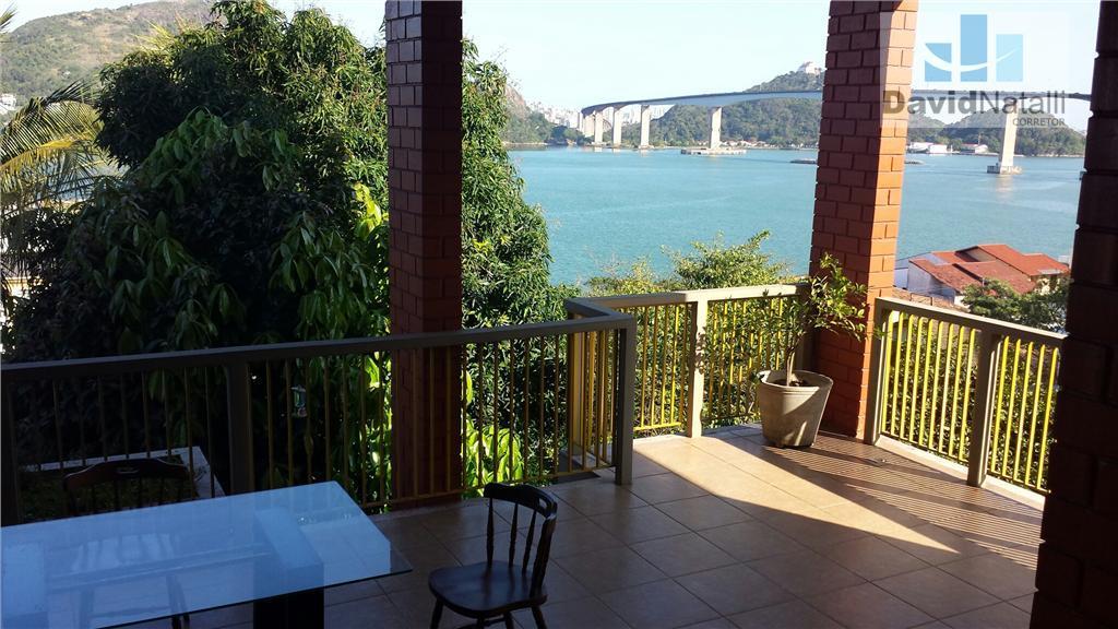 Linda Casa com 610m² com vista, Ilha do Boi, Vitória.