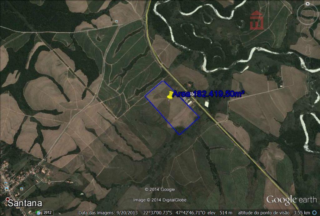 área com excelente topografia. dimensões: 301 x 578 de um lado e 620 m do outro,...