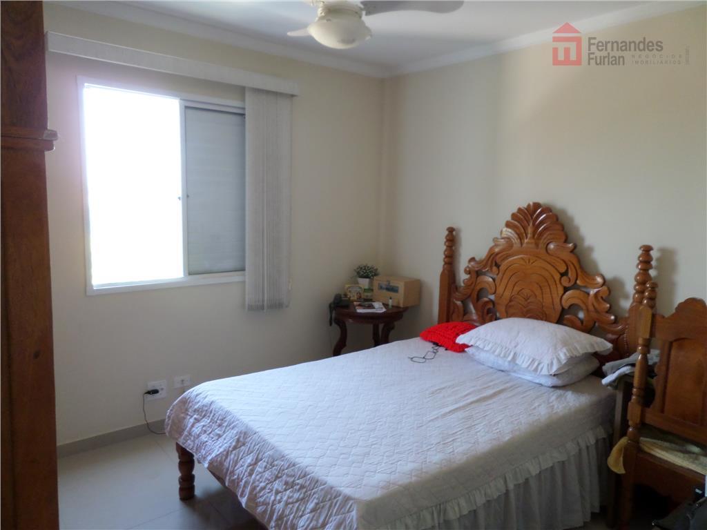 2 dorm, wc social com armário, sala, coz com gabinete e 1 vg, portaria 24horas, área...