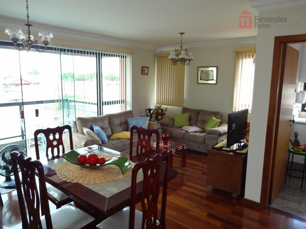 apartamento de alto padrão com 4 dormitórios, sendo 1 suíte com closet, wc com box tipo...