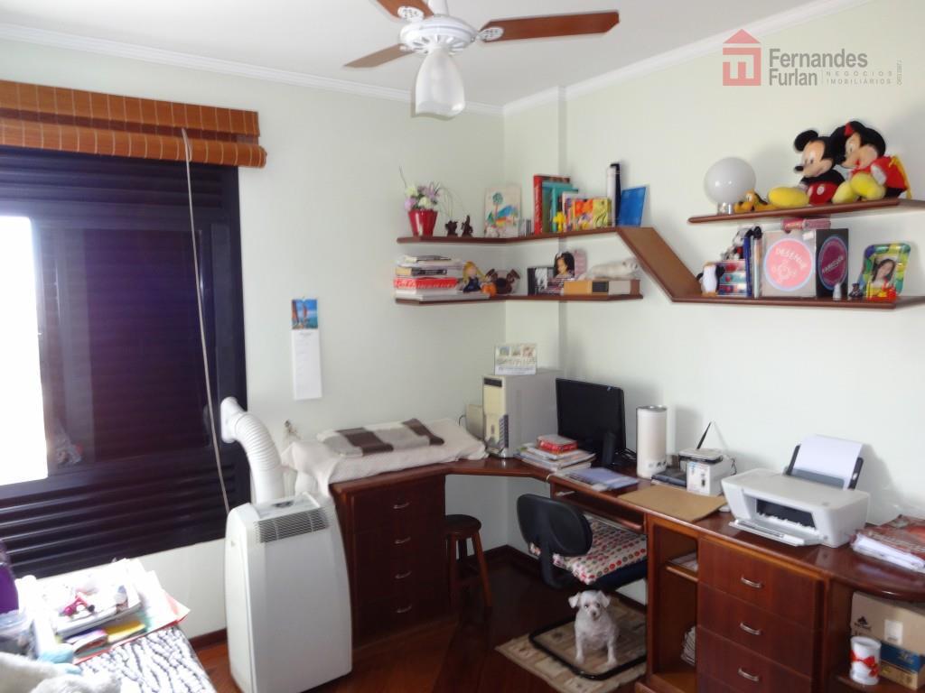 apartamento de alto padrão no centro com 3 dormitórios, todos com armário, sendo 1 suíte com...