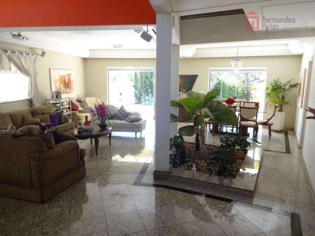 linda casa de alto padrão em excelente localização no condomínio terras, áreas frias toda em granito...