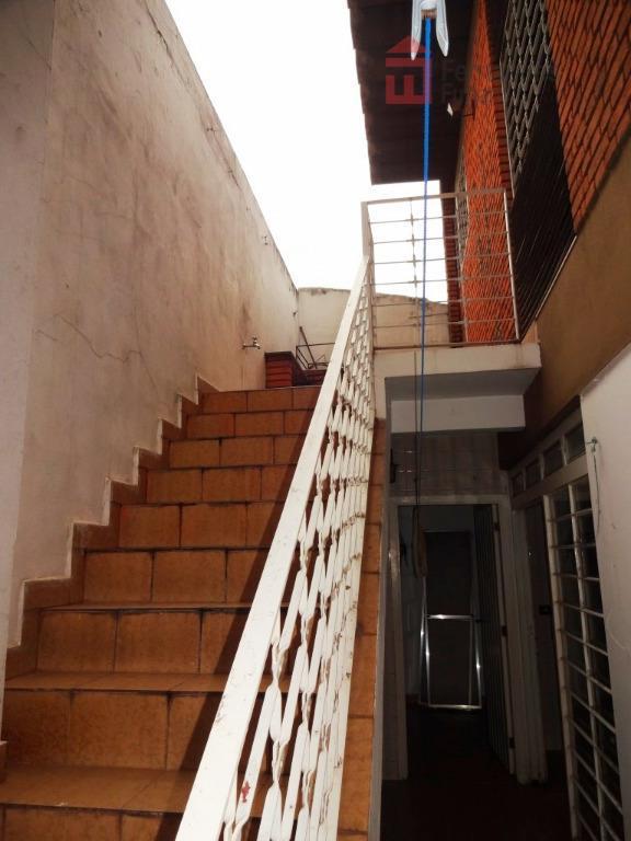 sobrado no bairro alto em esquina de grande fluxo com vocação comercial com 3 dormitórios, todos...