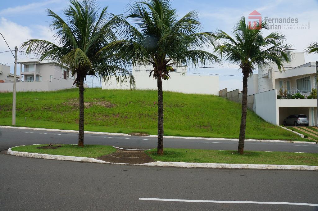 terreno no condomínio reserva do engenho em aclive com construção dos três lados.dimensões: 14,55m testada frontal...