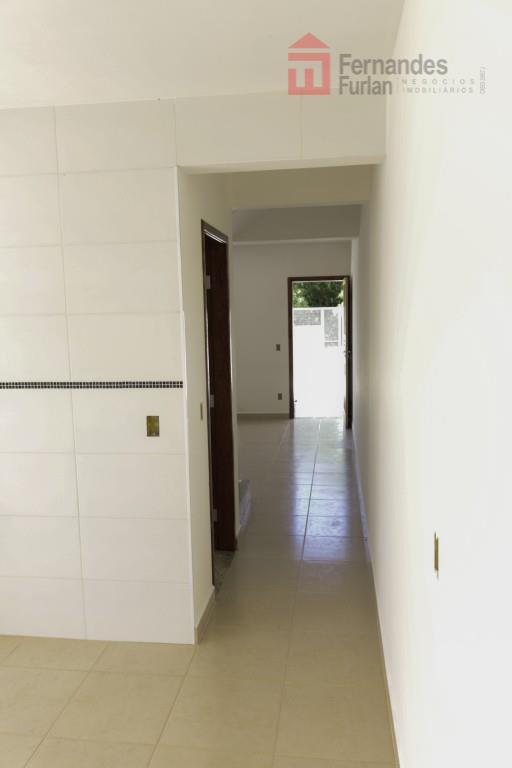 sobrado novo em saltinho bairro nova saltinho, com 2 dormitórios; 2 wc; sala integrada com cozinha...