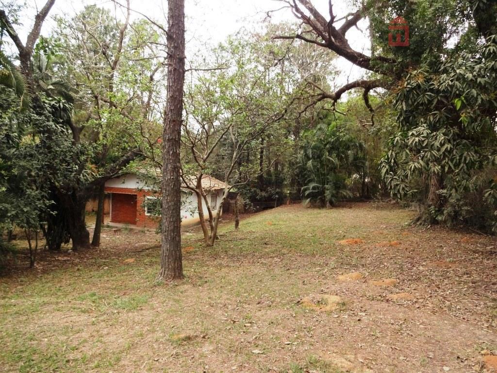 chácara no bairro brisa da serra volta grande com 3 dormitórios; sala ampla em l para...