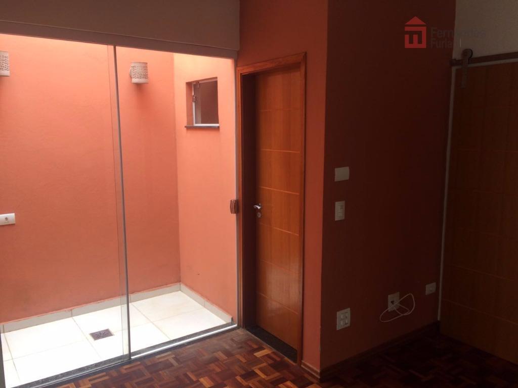 casa em excelente localização no bairro são dimas, reformada com 3 dormitórios, sendo 1 suíte com...