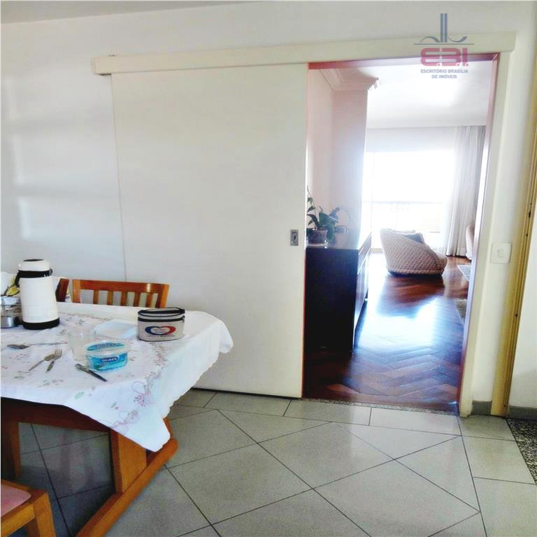 maravilhoso apartamento, próximo ao supermercado pastorinho.2 por andar,com 178m², 4 dormitórios sendo 2 suítes, todos com...