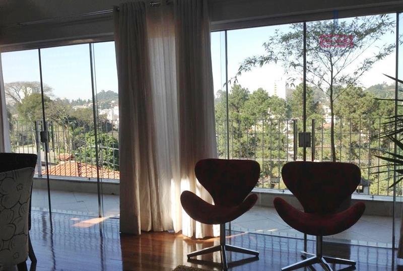 lindo sobrado, totalmente isolado, em região privilegiada, muito arborizada e tranquila.projeto moderno, com 220m² 3 dormitórios...