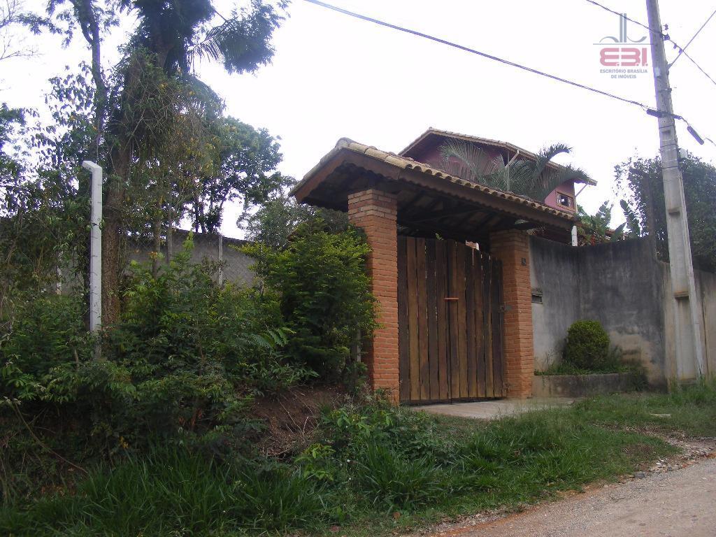 belíssima casa em condomínio fechado, segurança e conforto totais!400m², 4 dormitórios sendo 1 suíte, sala para...
