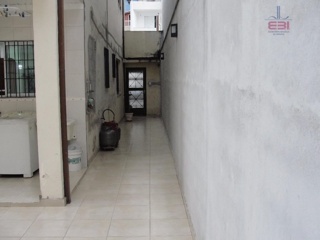 sobrado pronto para morar, com 205m², em terreno de 8x2, muito bem localizado ao lado da...