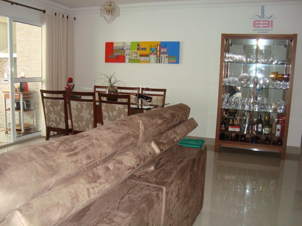excelente apartamento com 103m², todo mobiliado, pronto para morar!muito bem localizado, a 5 minutos da avenida...