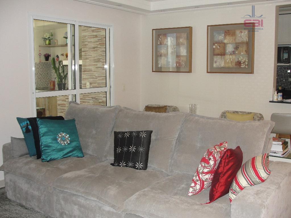 excelente apartamento com 87m², todo mobiliado, pronto para morar!muito bem localizado, a 5 minutos da avenida...