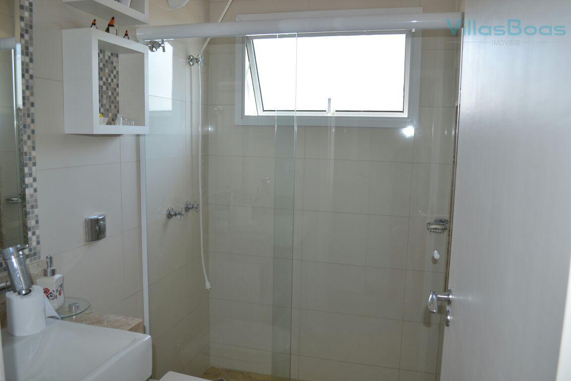 parte superior com: 3 suítes ( sendo 02 com móveis planejados, ar condicionado, banheira com hidromassagem,...