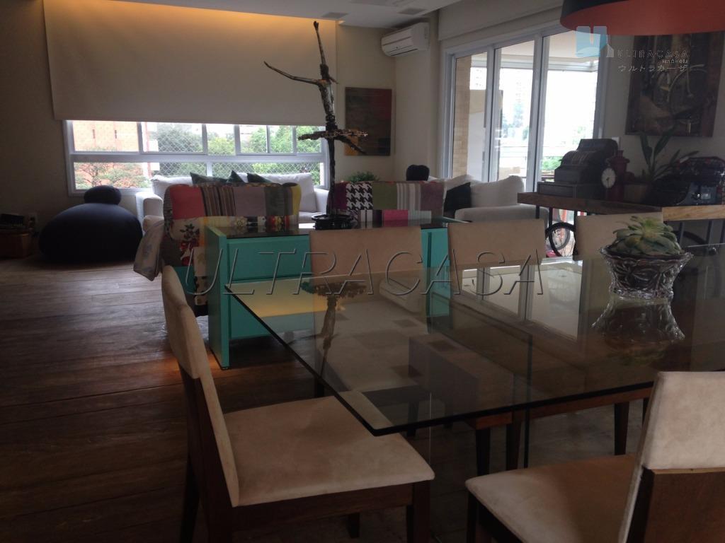 Apartamento residencial à venda, Moema, São Paulo - AP2709.