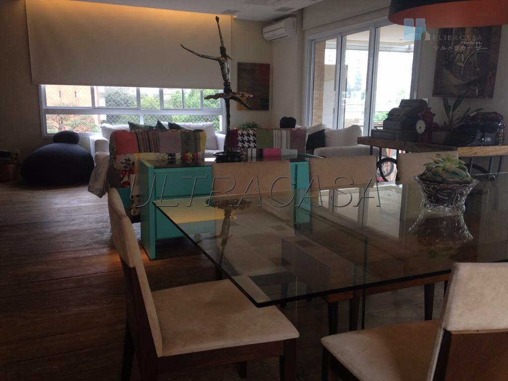 apartamento alto padrão à venda em moema, fora da rota.rua tranquila, arborizada. imóvel com 214 m²,...