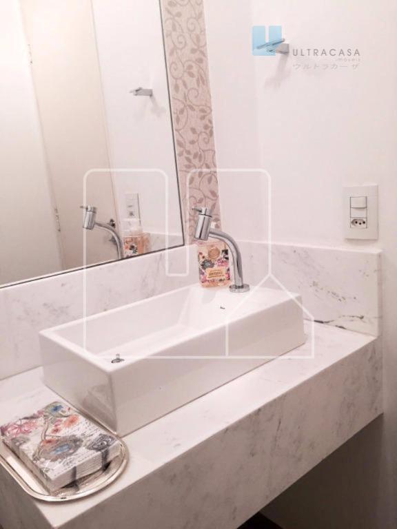apartamento todo decorado e mobiliado 3 quartos sendo um suite. varanda, banheiros + 1 suite, sala...