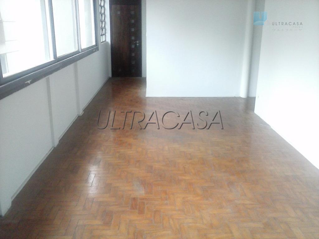 Apartamento localizado entre as Batataes e José Maria Lisboa.