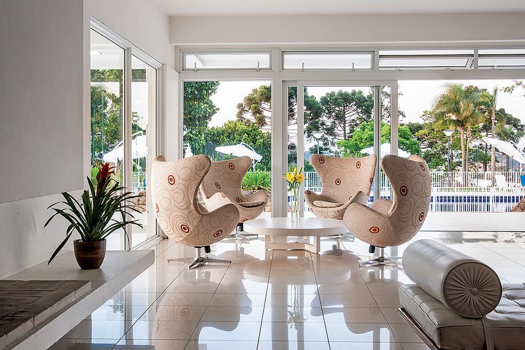 linda casa, nova, clean, com 4 suítes, 1 master com closet e banheiro ele/ela, 2 suítes...
