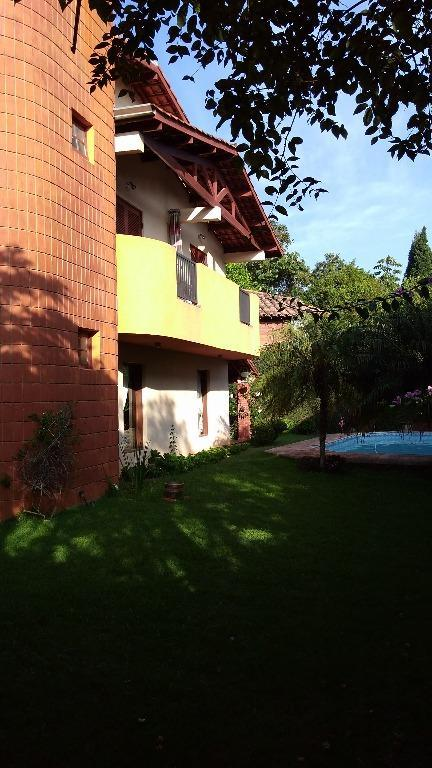 oportunidade...excelente casa, com 4 dormitórios, sendo 1 suíte master, sala living, home theater, sala íntima, sala...