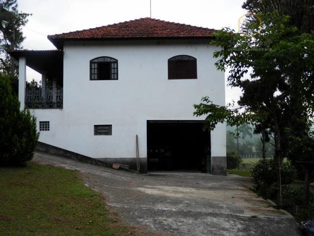 Sitio com 24.200 m² com casa e lago para pesca em Mogi das Cruzes