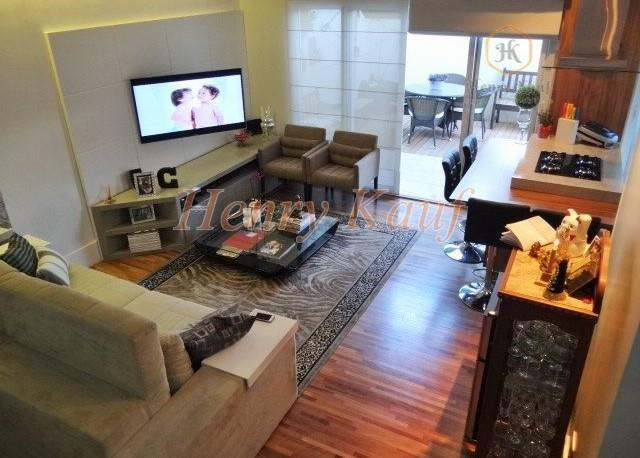 Apartamento Duplex 100 m², duas suítes e 3 vagas na Vila Mariana, São Paulo.