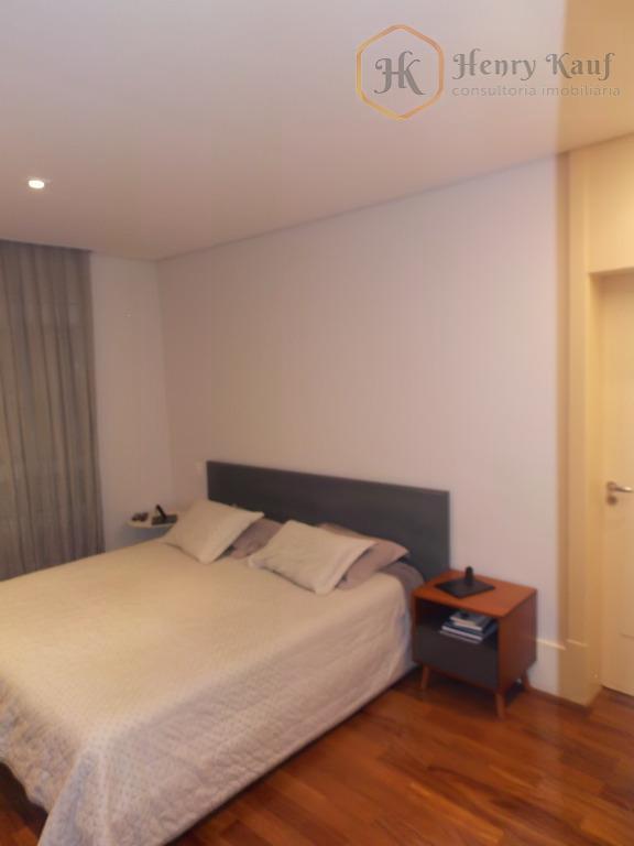 amplo apartamento alto padrão com área privativa de 178m² totalmente mobiliado e equipado ! apartamento novo....