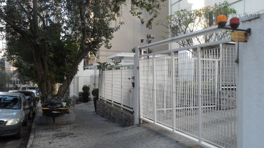 Excelente Apartamento com 130m2 de a.u. e distante apenas 850m do Metrô Brigadeiro, Jardim Paulista, São Paulo.