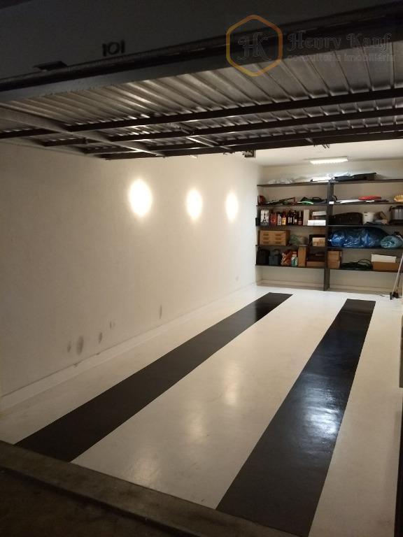 Garagem privativa fechada
