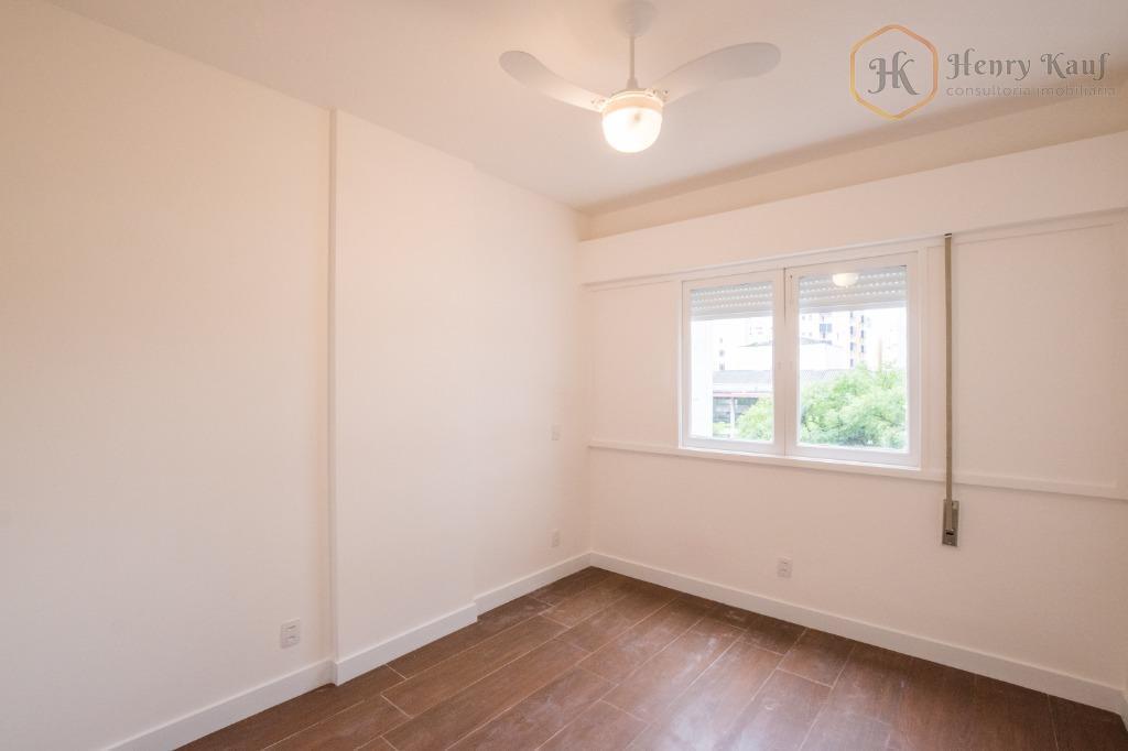 Apartamento todo reformado, 2 Dormitórios próximo ao Mackenzie, disponível para venda.