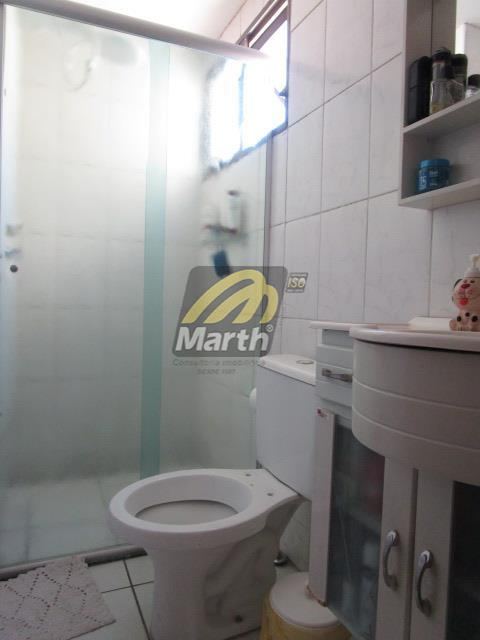 apto, centro, com 2 dorm, sala, cozinha, wc social, 1 vaga de garagem ótima localização, condominio...