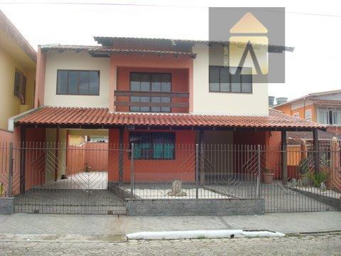 Sobrado residencial à venda, Dom Bosco, Itajaí - SO0004.