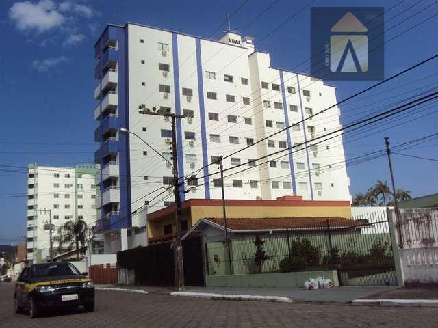 Apartamento residencial à venda, Vila Operária, Itajaí - AP0071.