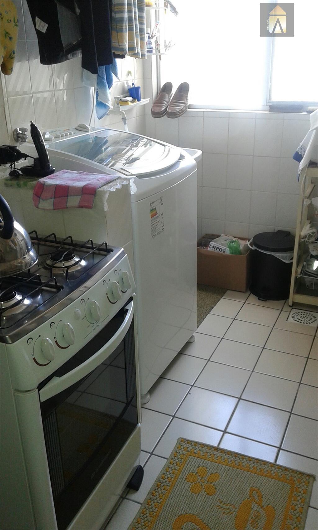 apartamento com 01 dormitório,sala,banheiro social, copa,cozinha,área de serviço, garagem para 01 carro, salão de festas com...