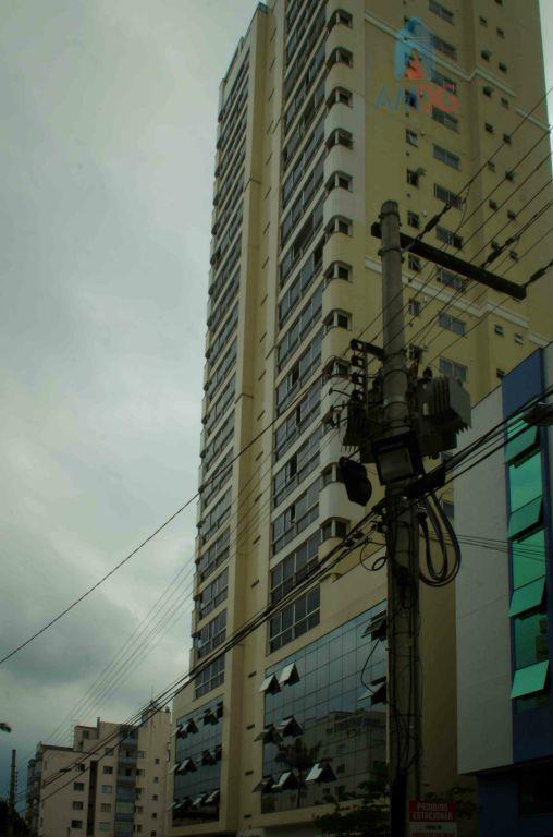 Apartamento residencial à venda, Centro, Balneário Camboriú - AP0270.